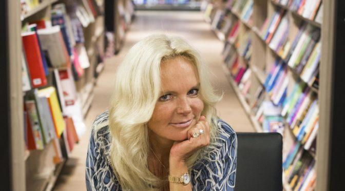 Lucinda Riley topper listene